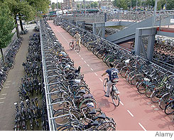 大規模な駐輪施設