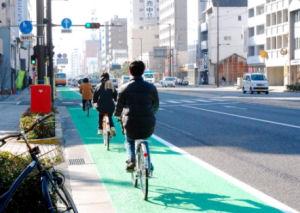 国道に自転車レーン