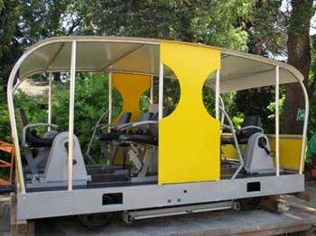 Erstes Fahrzeug der Solar-Draisinenbanhn präsentiert