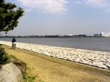川沿いは風が通りやすい