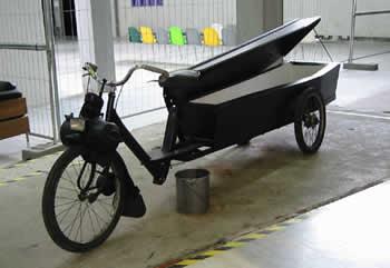 霊柩自転車