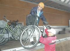 放置自転車を整備して発展途上国へ