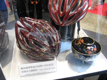 輪島塗りのヘルメット