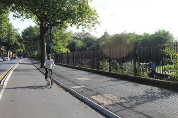 自転車レーン