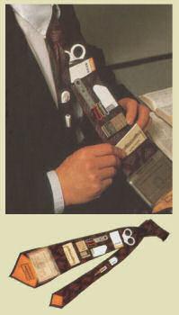 ポケット付きネクタイ