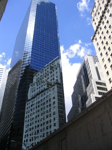 高いビルが無数にある