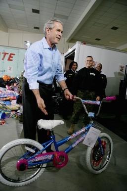 ブッシュ大統領と自転車