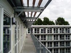廊下側に入口, www.tempohousing.com