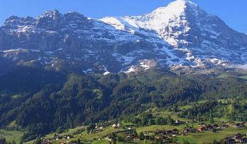 スイスのグリンデルワルト地方