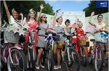 レトロスタイル自転車パレード