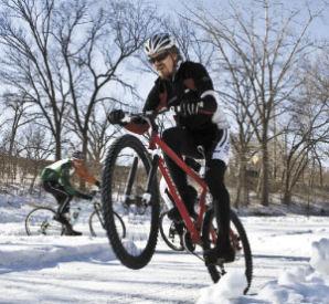 雪上自転車レース