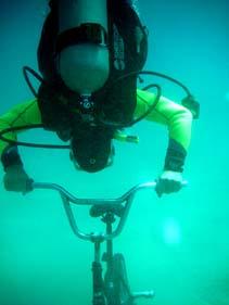 海底自転車散歩