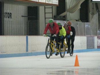 氷上自転車競技