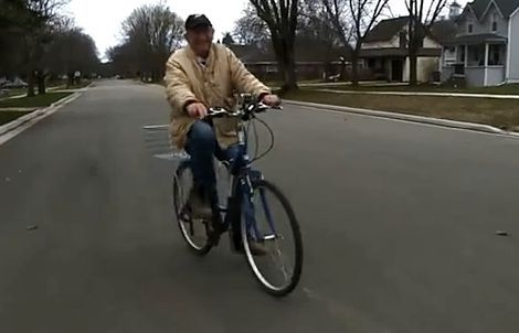 Biker Bud is 86-year-old paperboy, www.kare11.com