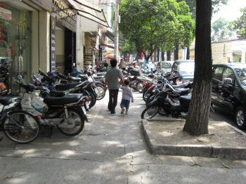 あちこちにオートバイ屋があるように見える