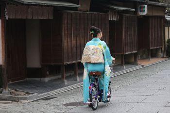 着物で乗れる自転車