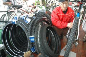 自転車用のスパイクタイヤ