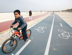 Dubai to build cycling and pedestrian tracks