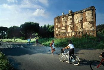 Bike and Hike along the Via Appia Antica, members.virtualtourist.com