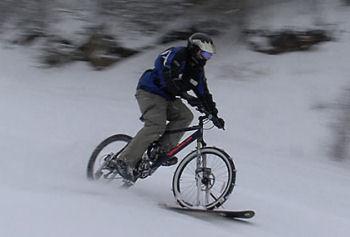 雪上自転車
