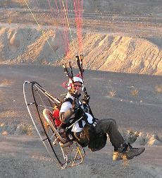 モーターパラグライダー ,Photo by www.FootFlyer.com