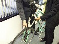 走行中、前輪が脱落した自転車
