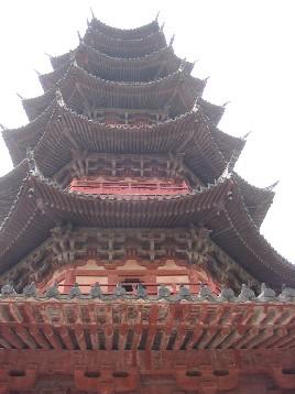 歴史的な建物も多い