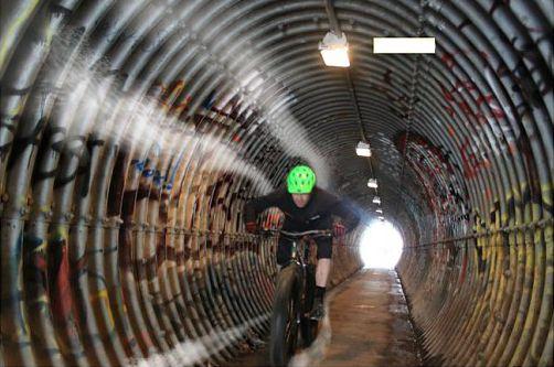 地下自転車道