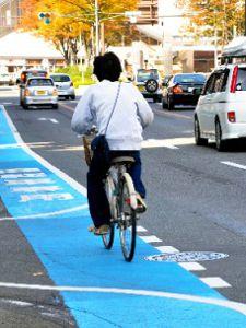 自転車は原則車道