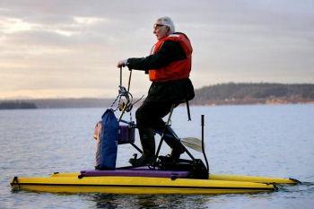 水上自転車通勤