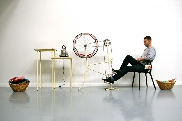 The un-knitting machine, by Imogen Hedges, www.kingston.ac.uk