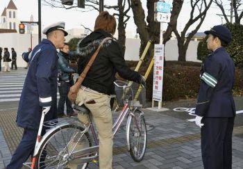 歩道の自転車