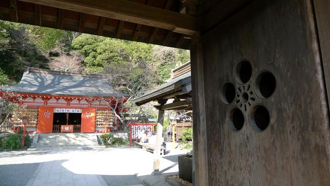 荏柄天神社山門