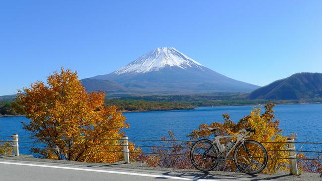 本栖みちからの富士山