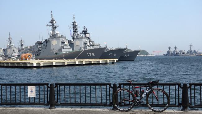 横須賀地方総監部-003