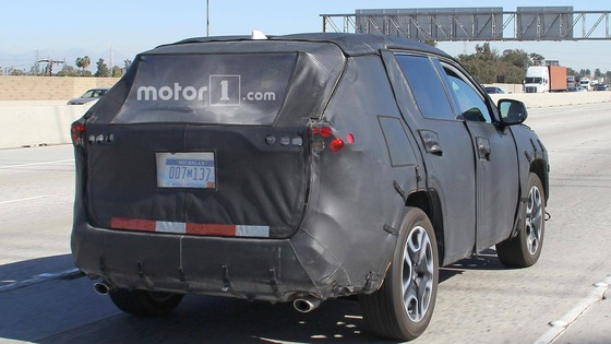 next-gen-toyota-rav4-spy-shots (1)