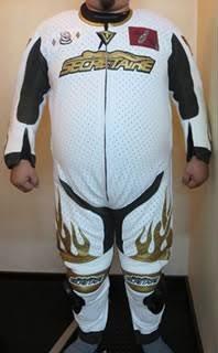 バイクのレーシングスーツをフルオーダーしたのが納品されたぞぉぉぉ