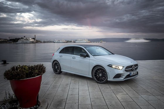 new-mercedes-benz-a-class-goes-intelligent-11