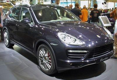 800px-Porsche_Cayenne_II_Turbo