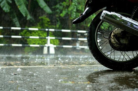 motorcycle-rain-fall-florida-lawyer
