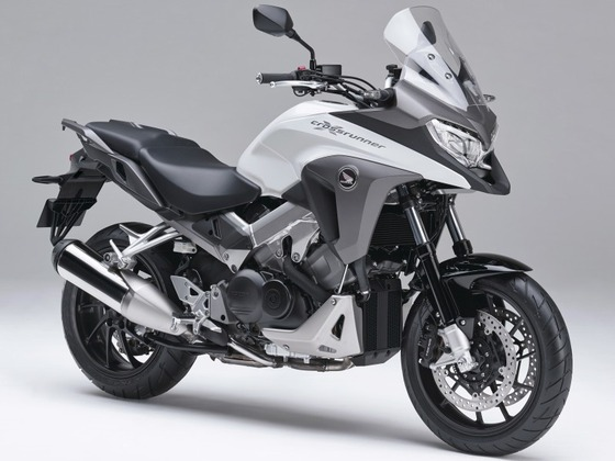 大型バイク「グリップヒーター、トラクションコントロール、ETC標準装備してます(ドヤァ・・・)」