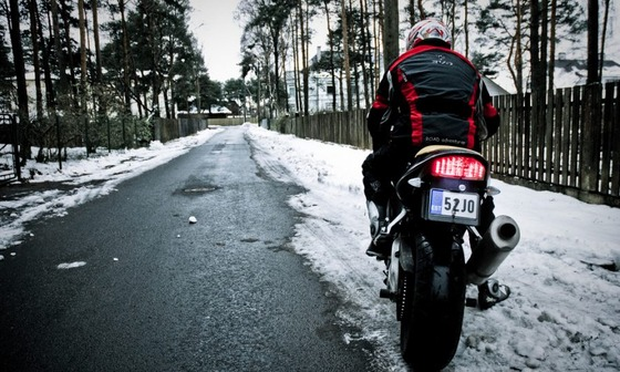 Tips-for-Winter-Motorcycle-Riding-in-Safety-and-Comfort-900x540