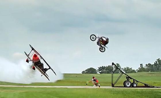 070414-elkins-jumping-plane-f