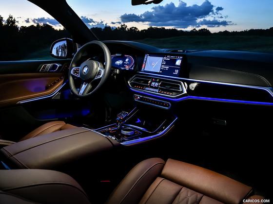 【謎定期】BMW X5の内装が良すぎる件wwwwwww