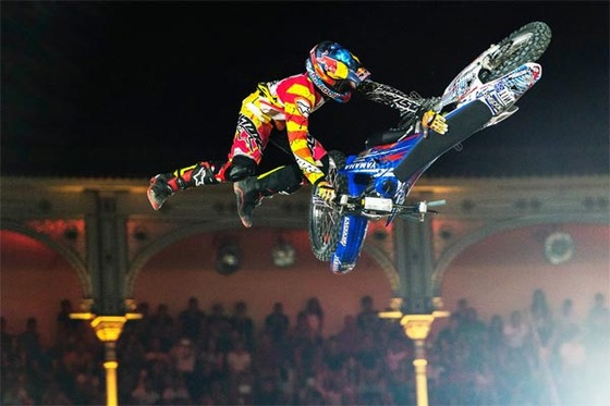 bikeflip-tom-pages-xfighters-2014