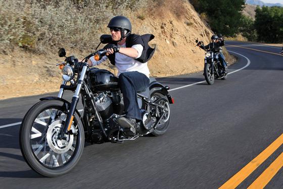 2011-Harley-Davidson-Blackline-action-2
