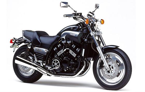 バイクかってんけどエンジンに色塗りたいねん