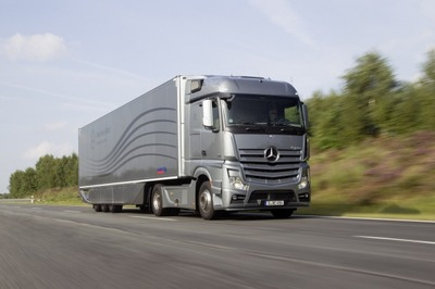 Mercedes-Benz-Aerodynamics-Truck-and-Trailer-2-610x406