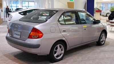 800px-1997_Toyota_Prius_01
