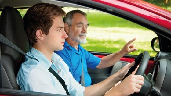 自動車教習で一番難易度高いのは構内で40km出すヤツだよな?